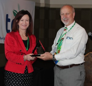 David Shetlar, the Ohio State University, receives the 2016 Environmental Communicator of the Year award from Cindy Code, Project Evergreen.